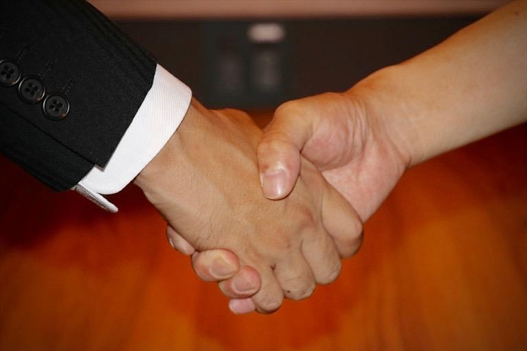 フリーランスが安定的に仕事を紹介してもらえる様々な方法論について