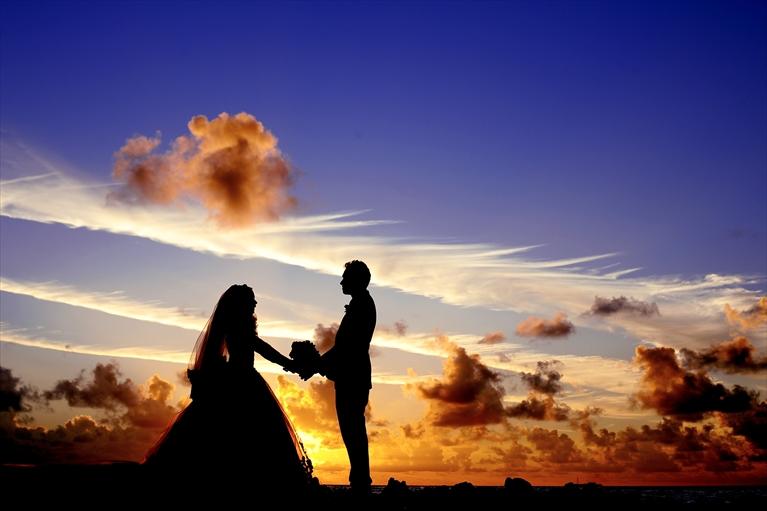 128-【夢の結婚式を実現!】フリーランスのウエディングプランナーとは-1_r