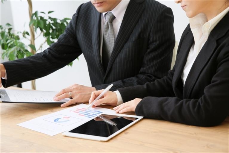 フリーランスの確定申告は税理士に依頼するべき?