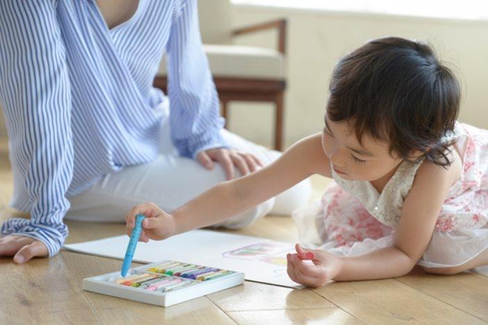 女性フリーランスが仕事と子育てを両立するためのポイントと支援制度-1_r