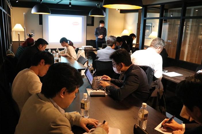 講師×BP共催「2時間で楽しく学ぶ!マーケティングの原理原則」@Basis Point新橋店-4_r