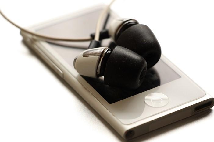 フリーランスにおすすめ!ラジオの「ながら聴き」で日々の情報収集-1_r