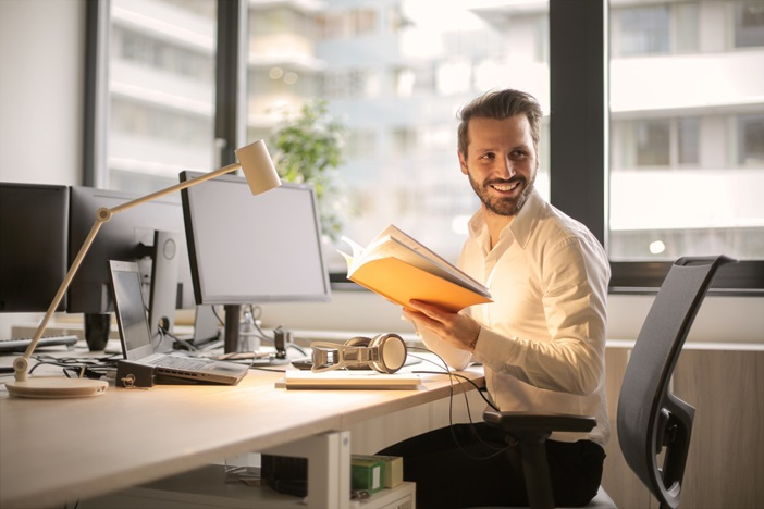 副業に役立つスキルを考察すると、仕事の本質が見えてくる。