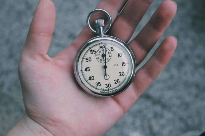 孤独なテレワークで生産性を上げるには「環境整備」「時間管理」「マインドコントロール」-1_r