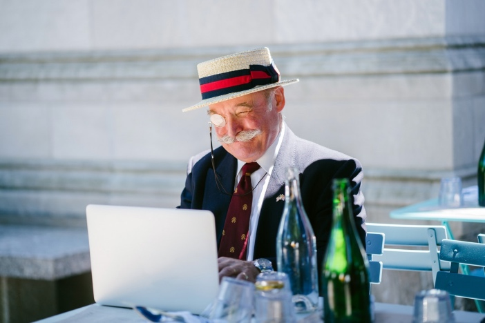 業務経験豊富な中高年が副業「Webライター」として必要とされる理由