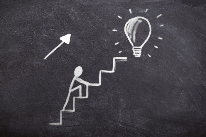 集客コンサルの私が紹介したい集客の基礎5ステップ!副業コンサルの最初の壁を乗り越えよう!-1_r