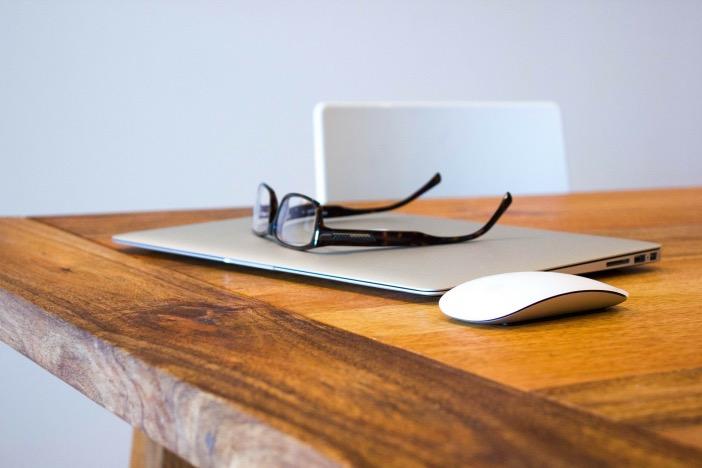 どのように副業を選ぶか、ビジネスの本質から役立つスキルを考える